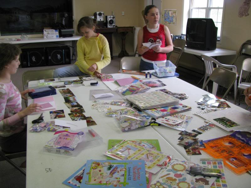 Keepers At Home – Scrapbooking